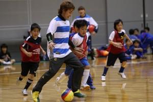 岡崎チアゴ選手はすべてのクラスのゲームに飛び入り参加。