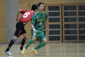 ▲足元の上手さには自信を持つ松浦公亮(18)。この試合でも随所で独特のボールタッチを披露。チームの2点目を記録。