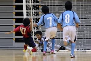 ゴール前の攻防。