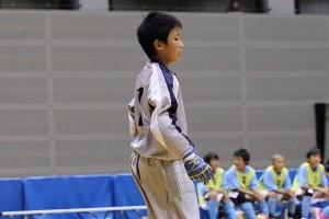 何度となく勇敢なセービングを見せていたアスルクラロ沼津のゴレイロ、山崎選手。