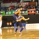 松本のミドルシュートで浜松が勝ち越し。会場は大きな歓声に包まれた。